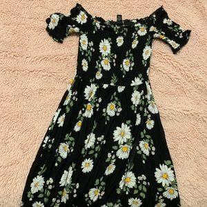 Forever 21 off the shoulder maxi dress w leg slit
